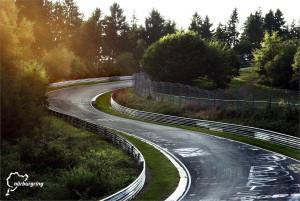 1 De Nürburgring. Teaserfoto van Honda Europa voor de inschrijving van het evenement.