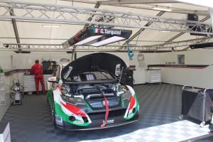 11 Tarquini's Civic, klaar om geprepareerd te worden voor de grote WTCC race